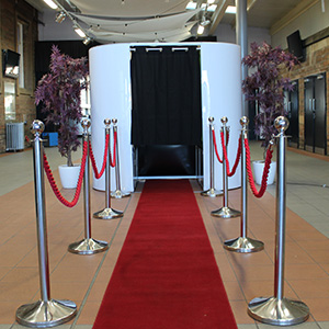 Wedding Photobooth Red Carpet